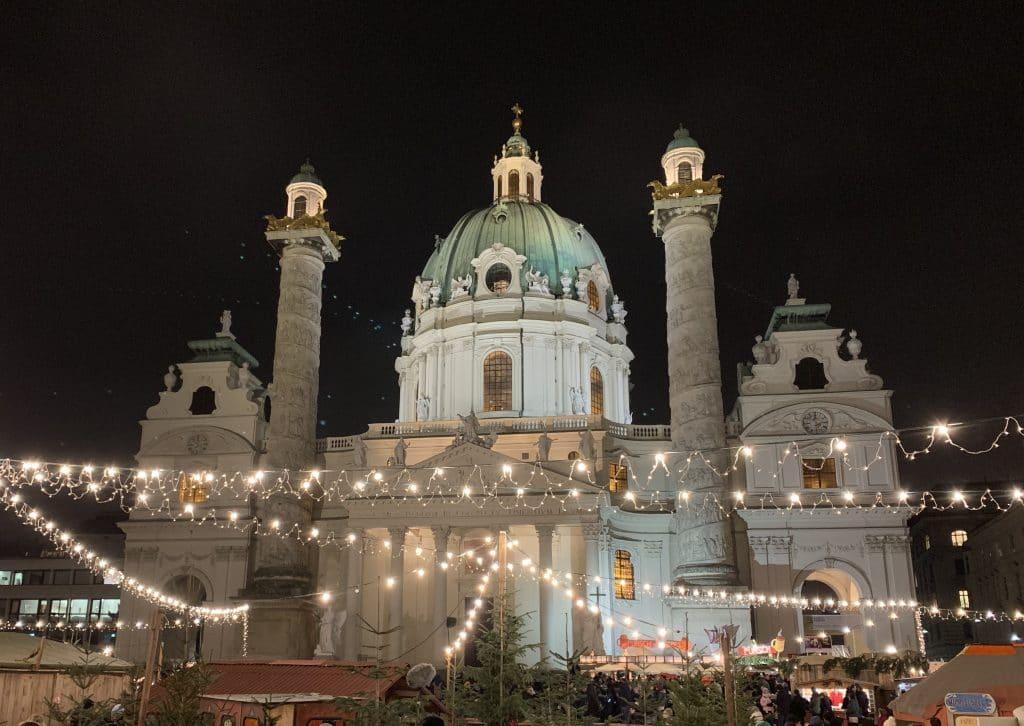 los mercados de navidad son una de las cosas que hacer en Viena