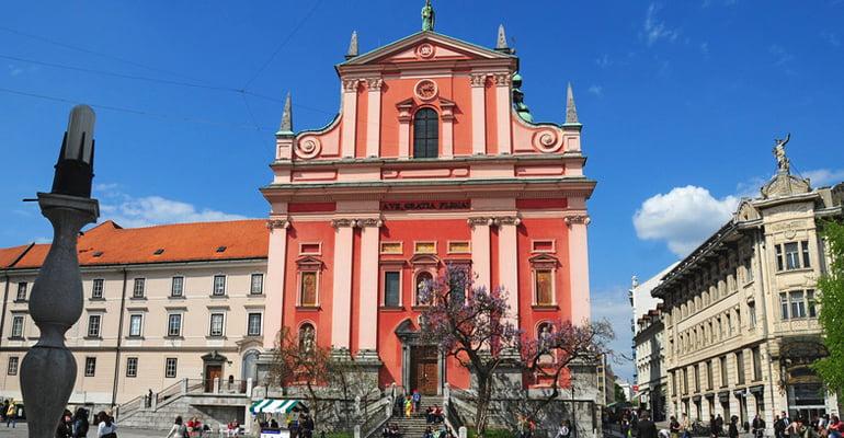 Iglesia Franciscana de la Anunciación, lugar que ver en Liubliana