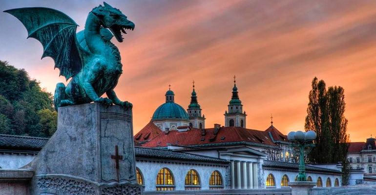 Puente de los Dragones, lugar que ver en Liubliana
