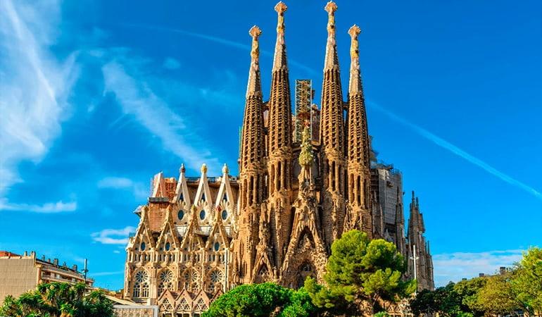 sagrada familia, lugar que ver en Barcelona