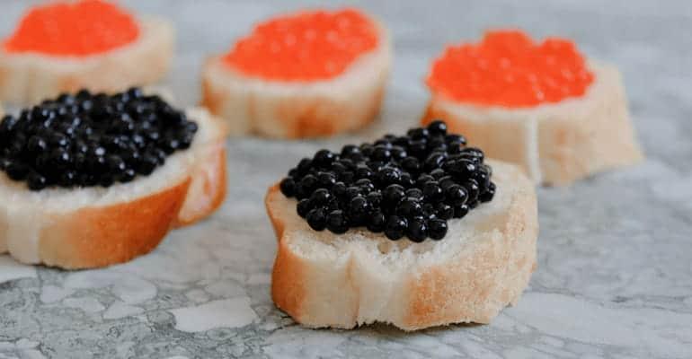 Caviar rojo y negro ruso