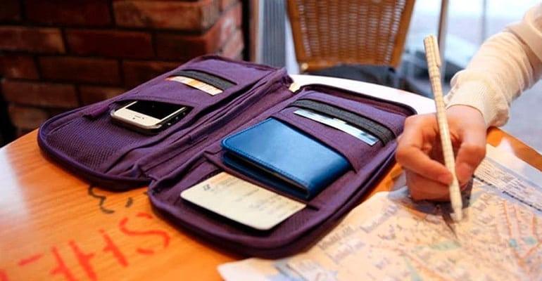 organizador de documentos de viaje