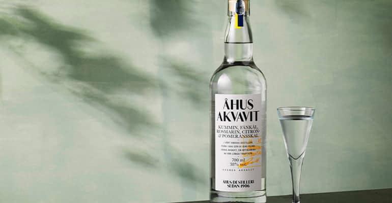 bebida danesa Akvavit