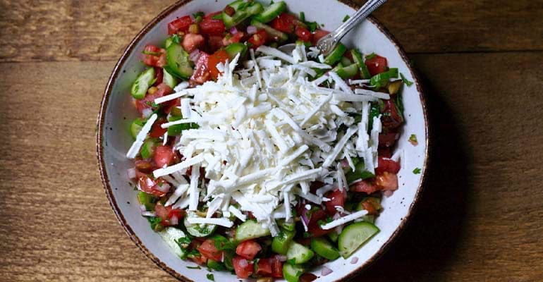 Shopska Salata, un plato que comer en Bulgaria