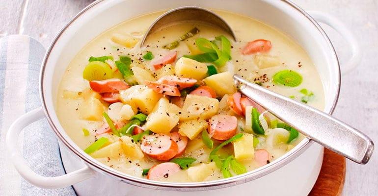 Kartoffelsuppe, sopa que comer en Alemania