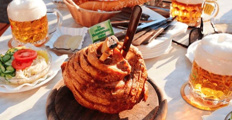 Stelze, plato que comer en Austria