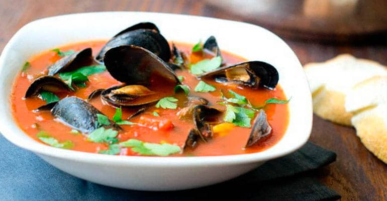 Mussel soup, sopa que comer en Irlanda