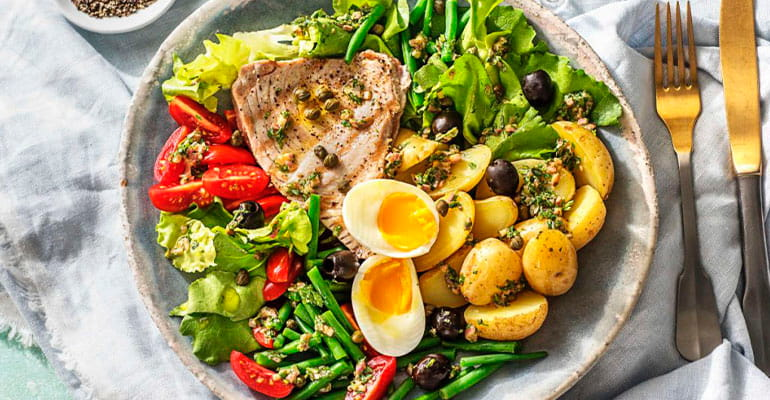 Salade niçoise, plato que comer en Francia