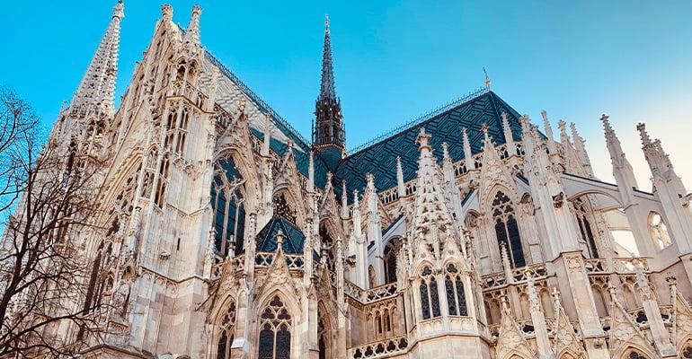 iglesia Votivkirche en Viena