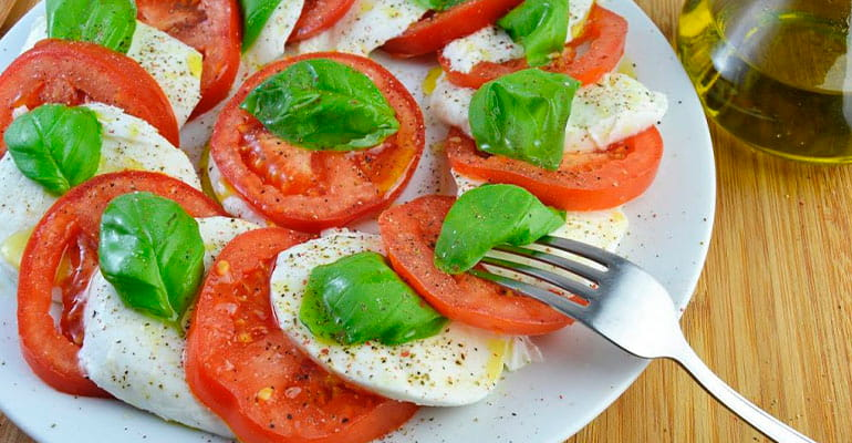Ensalada Capresse, plato que comer en Italia