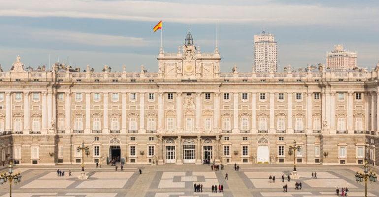 El Palacio Real, una de las cosas que hacer en madrid cuando llueve