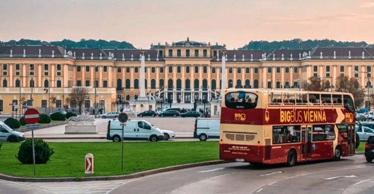 autobús turístico Big Bus Vienna para hacer rutas turísticas por Viena