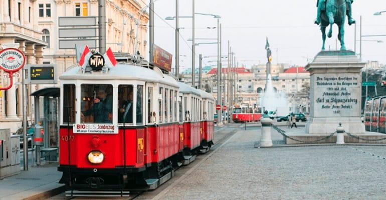 Tranvía histórico de Viena para hacer rutas turísticas por Viena