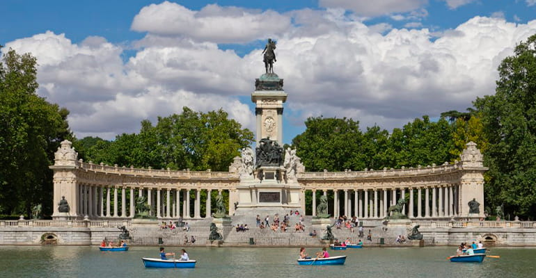 El parque del Retiro, uno de los lugares que ver en madrid