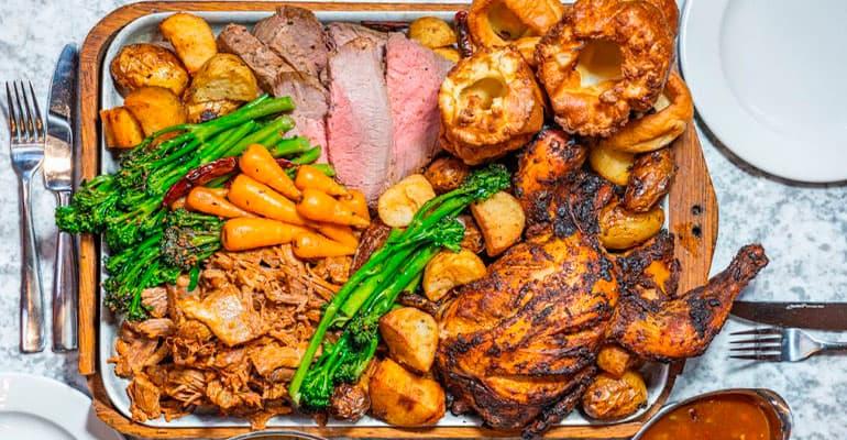 Sunday Roast, plato que comer en Reino Unido