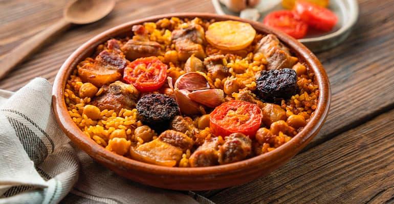 Arroz al horno, plato que comer en Valencia