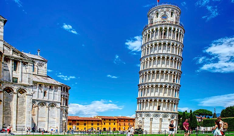 torre inclinada, uno de los monumentos que ver en pisa