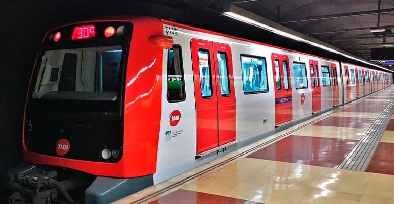 moverse por Barcelona en metro