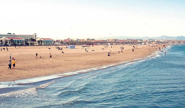 Malvarrosa, barrio donde alojarse en Valencia
