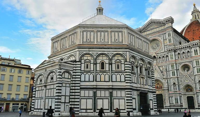 Battistero di San Giovanni, uno de los lugares que ver en Florencia