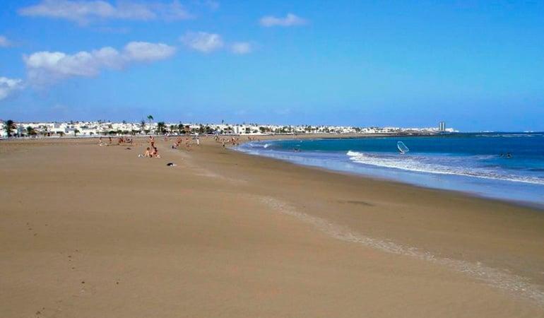 Playa Honda, una de las playas de lanzarote
