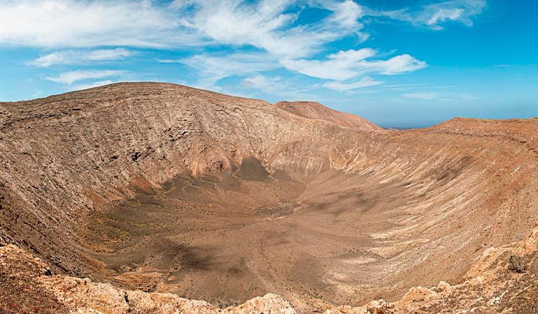 hacer la ruta de la Caldera Blanca en Lanzarote