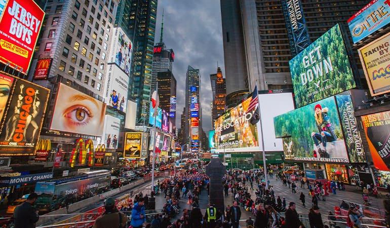 Times Square, uno de los lugares que ver en manhattan